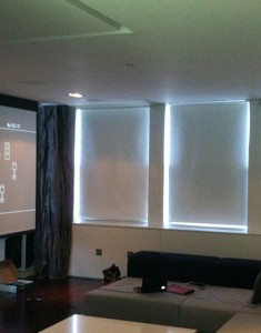 Projector Home Theater + In-Ceiling Speaker